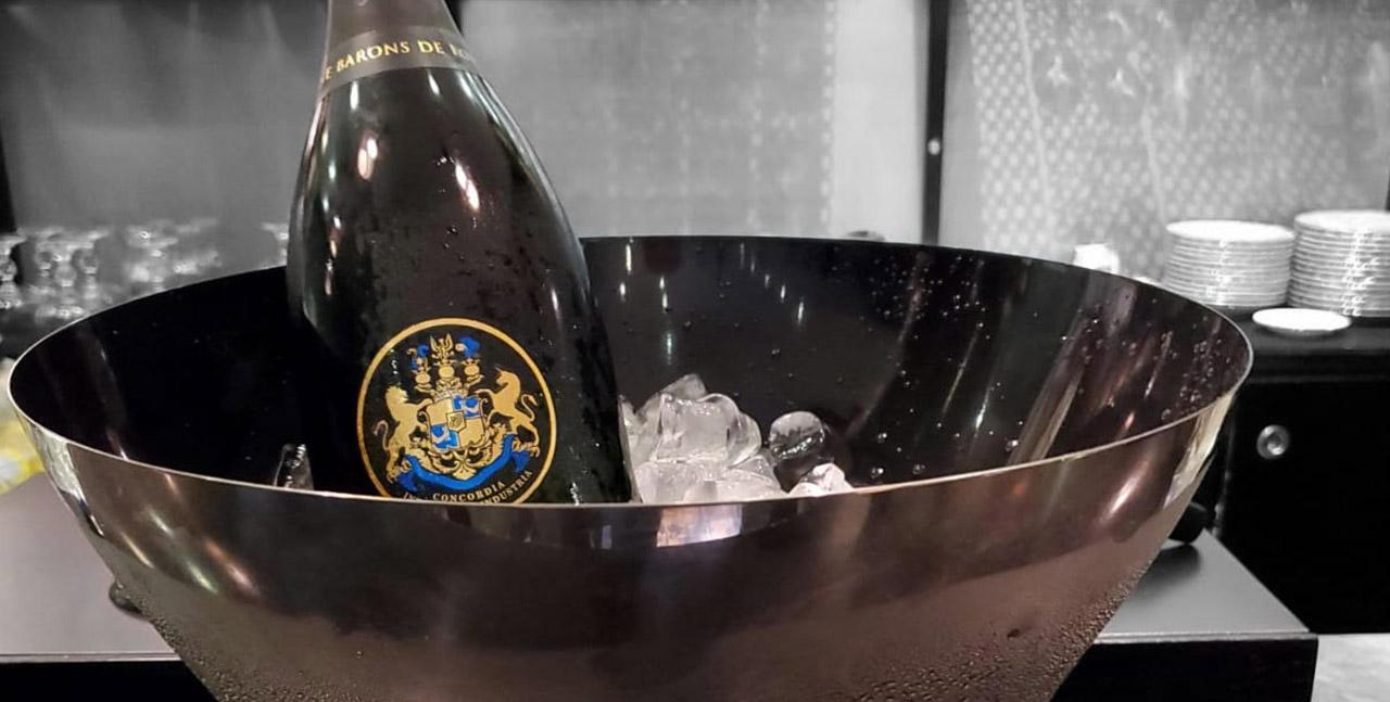 רומנטיקה ושמפניה של הברון ברוטשילד